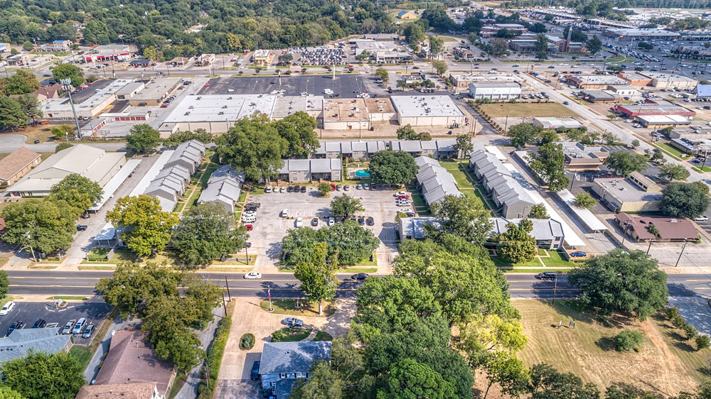Aerial Photography - Towne Oaks East Apartments