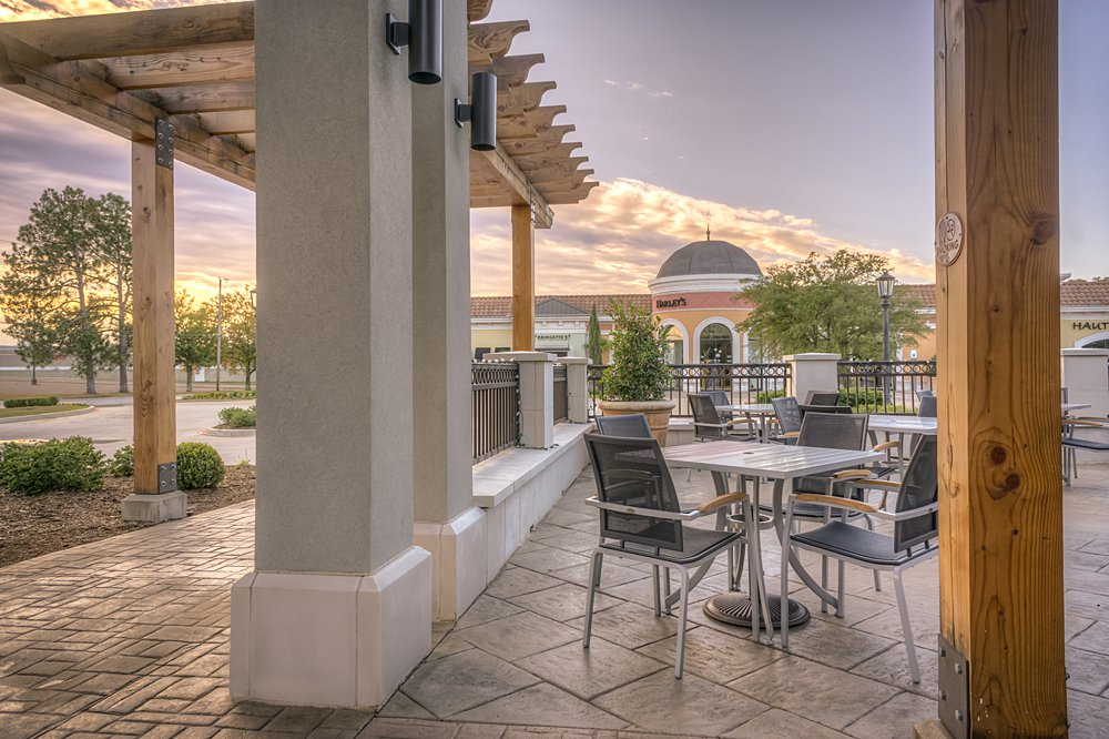 Restaurant Patio - Tyler, TX