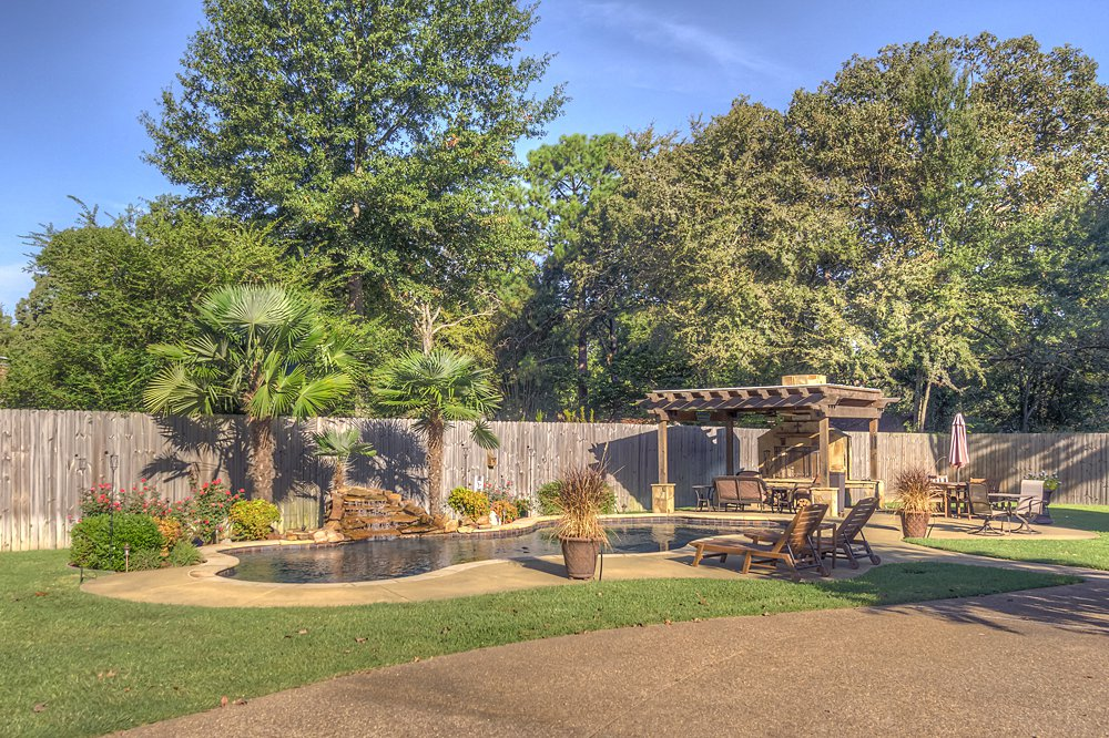 Pool and Patio - 8207 Robert E Lee, Tyler, TX - Holly Hightower - WP & Company
