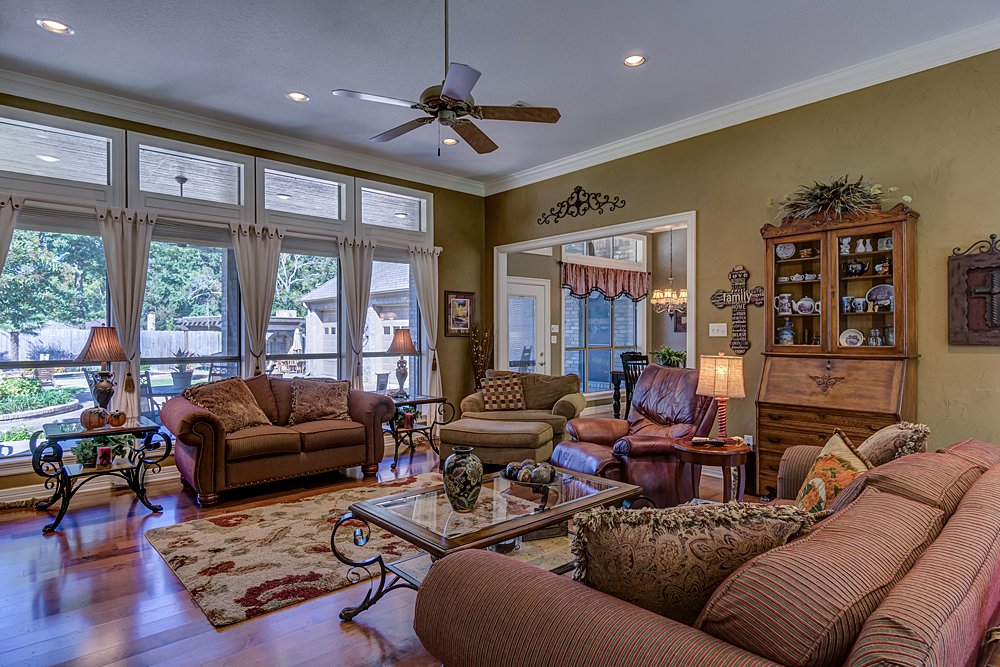 Living Room - 8207 Robert E Lee, Tyler, TX - Holly Hightower - WP & Company
