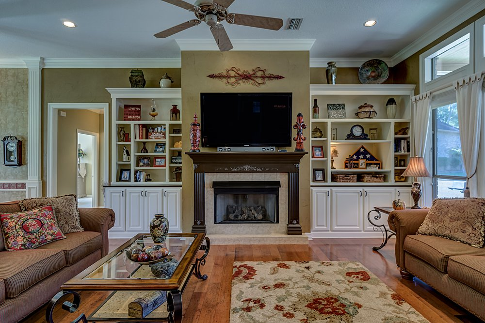 Living Room - 8207 Robert E Lee, Tyler, TX - Holly Hightower