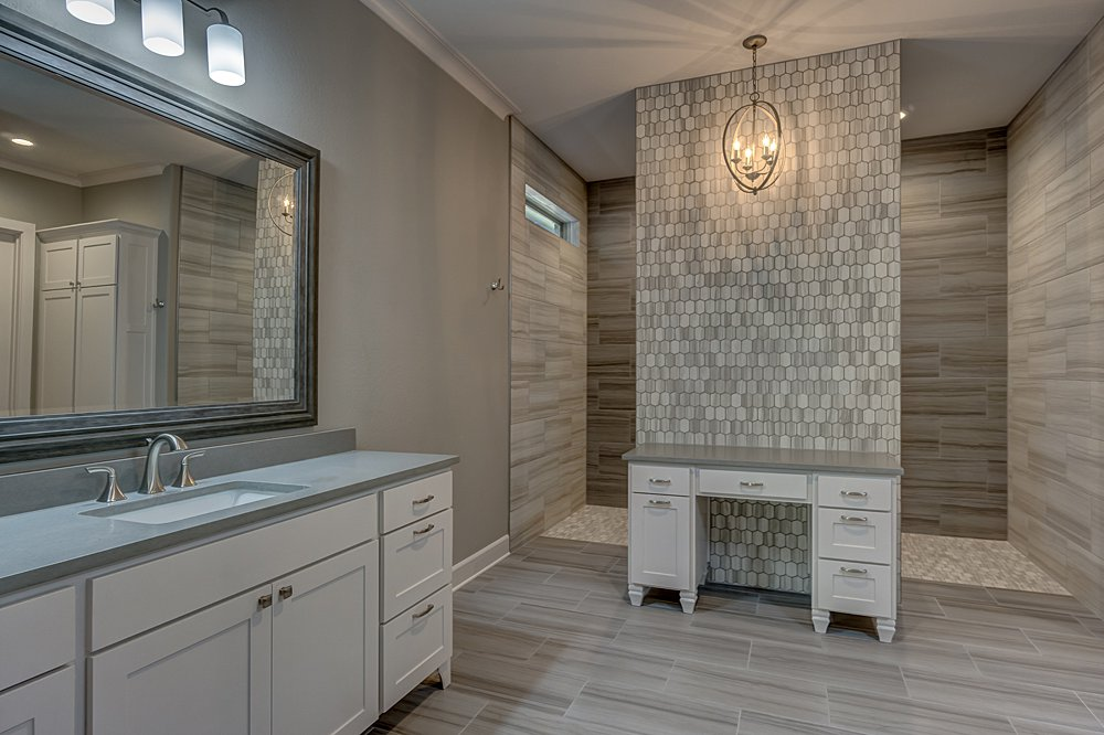 Master Bathroom - 7559 Cross Gate, Tyler, TX - Chris Phillips - WP & Company