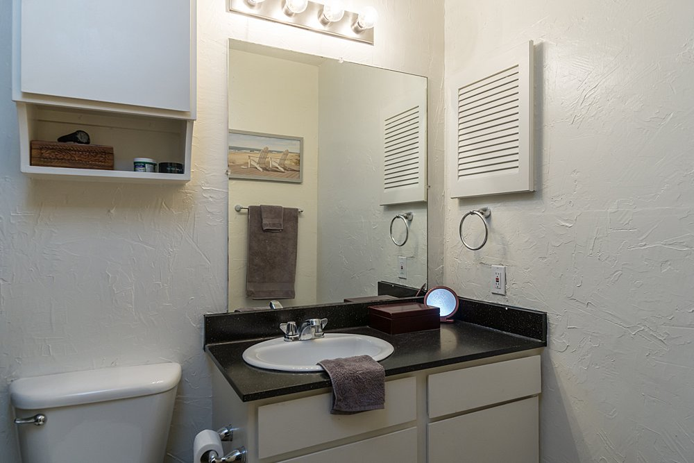 Bathroom - Towne Oaks East Apartments