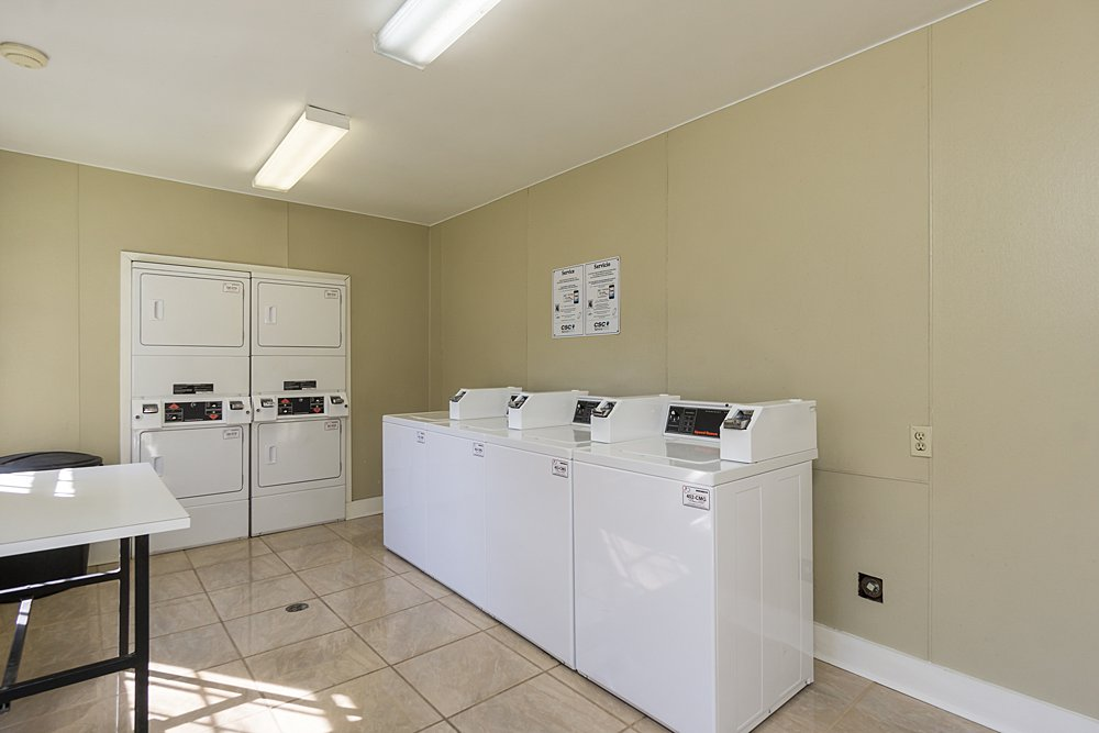 Laundry - Towne Oaks East Apartments