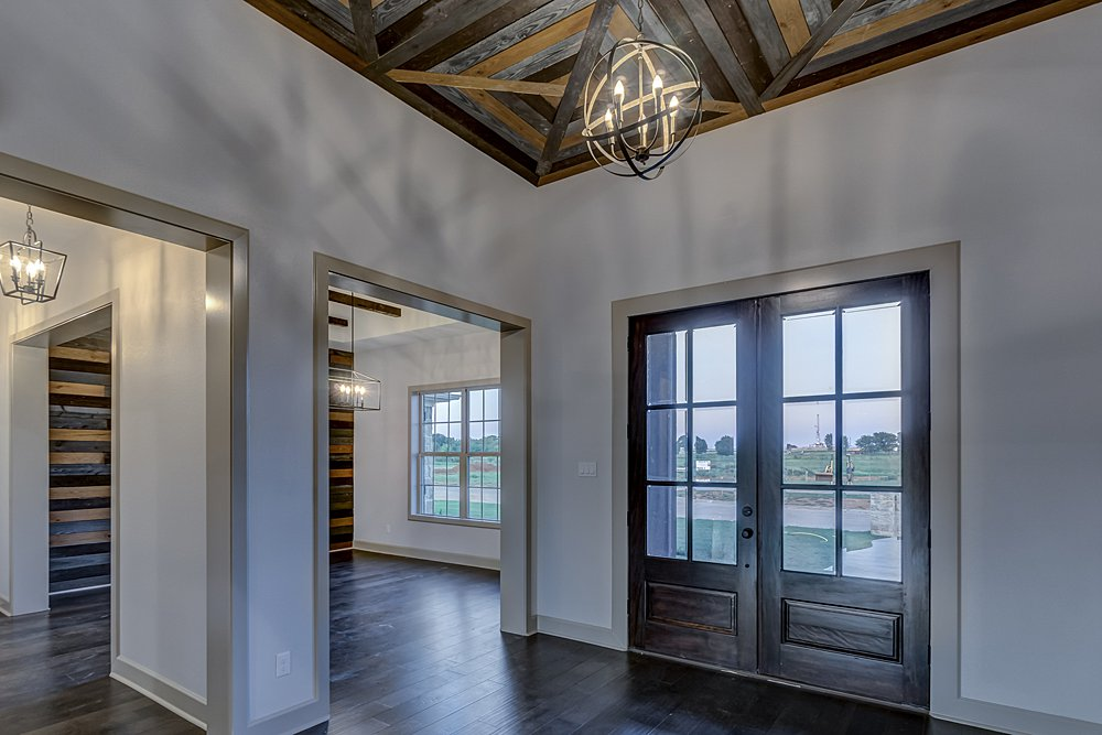 Entry - 20246 Deer Hollow, Flint, TX - Lindsey Newburn - Griffin Real Estate