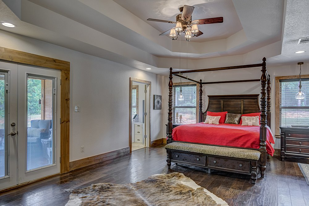 Master Bedroom - 12711 N Pointe Rd, Winona, TX - Pat Allen - Coldwell Banker