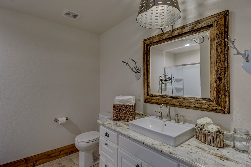 Bathroom - 12711 N Pointe Rd, Winona, TX - Pat Allen - Coldwell Banker